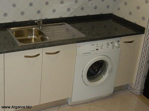 Complete keuken met wasmachine