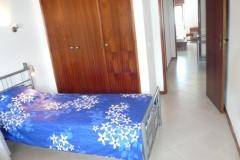 Tweede slaapkamer met  single-beds en mogelijkheid voor extra bed.