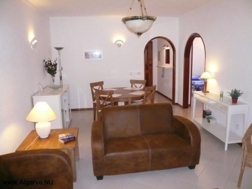 Mooie zitkamer met Nederlandse TV, gratis wifi en airconditioning