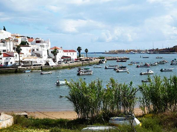 De haven van Ferragudo, Algarve, Portugal