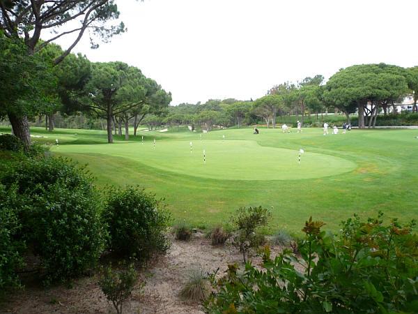 Een mooie golfbaan in de Algarve